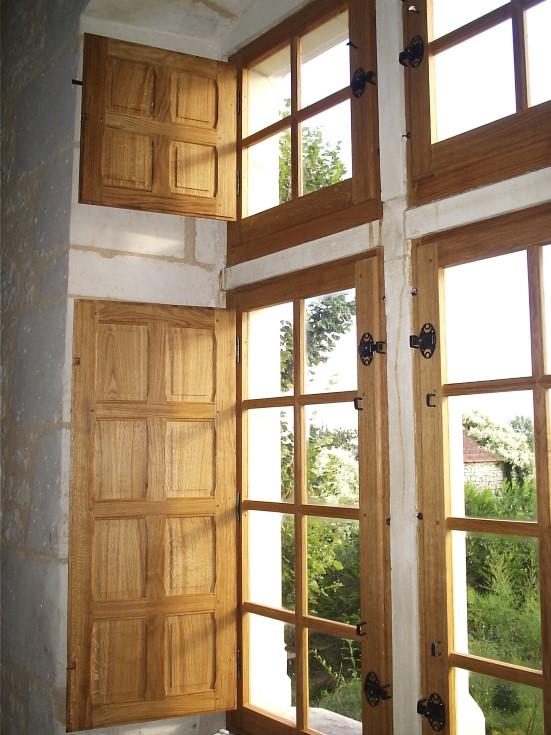 fen tre ch ne fa on xvii menuiserie agencement escaliers parquets restauration d. Black Bedroom Furniture Sets. Home Design Ideas